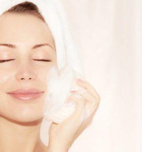 Forma segura de aclarar la piel antes de quitar las manchas