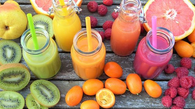 Zdrave koktele za mršavljenje na doručak. Voće-koje najbolje sastojke? Ananas, kivi, banana, grejpfruta, a može, bobice?